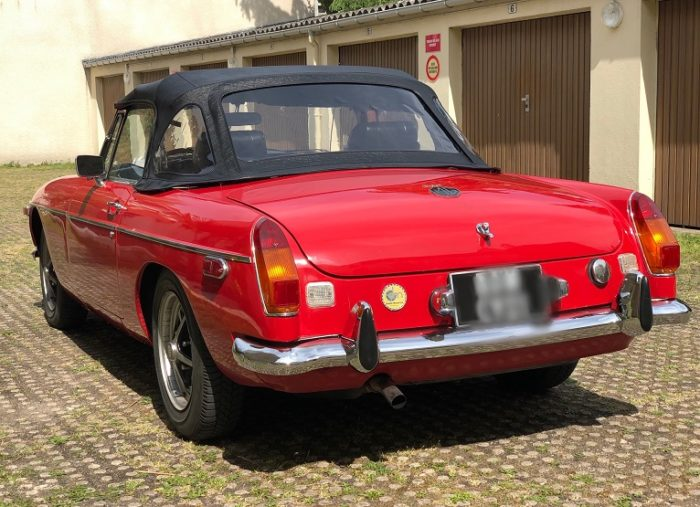 Mgb 1974 arrière capoté