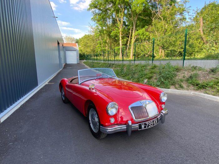 Mga 1500 1959 rouge avant droit