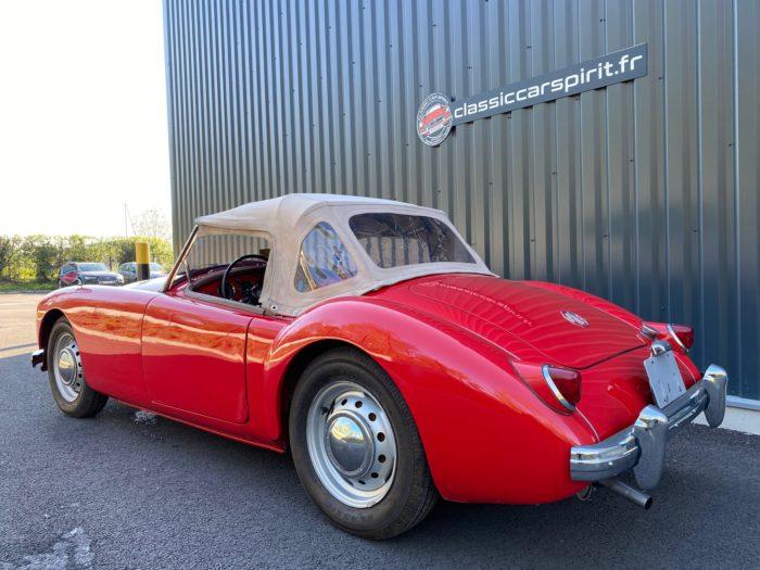 Mga 1500 1959 rouge trois quart arrière capote