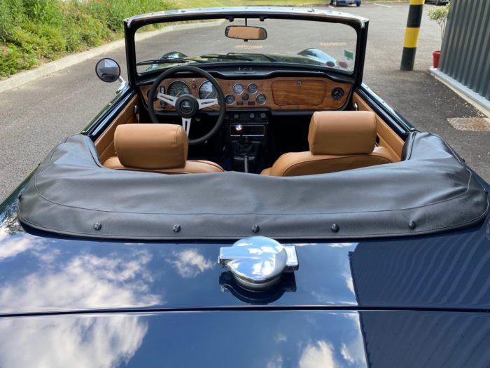 Tr6 1974 bleue tableau de bord